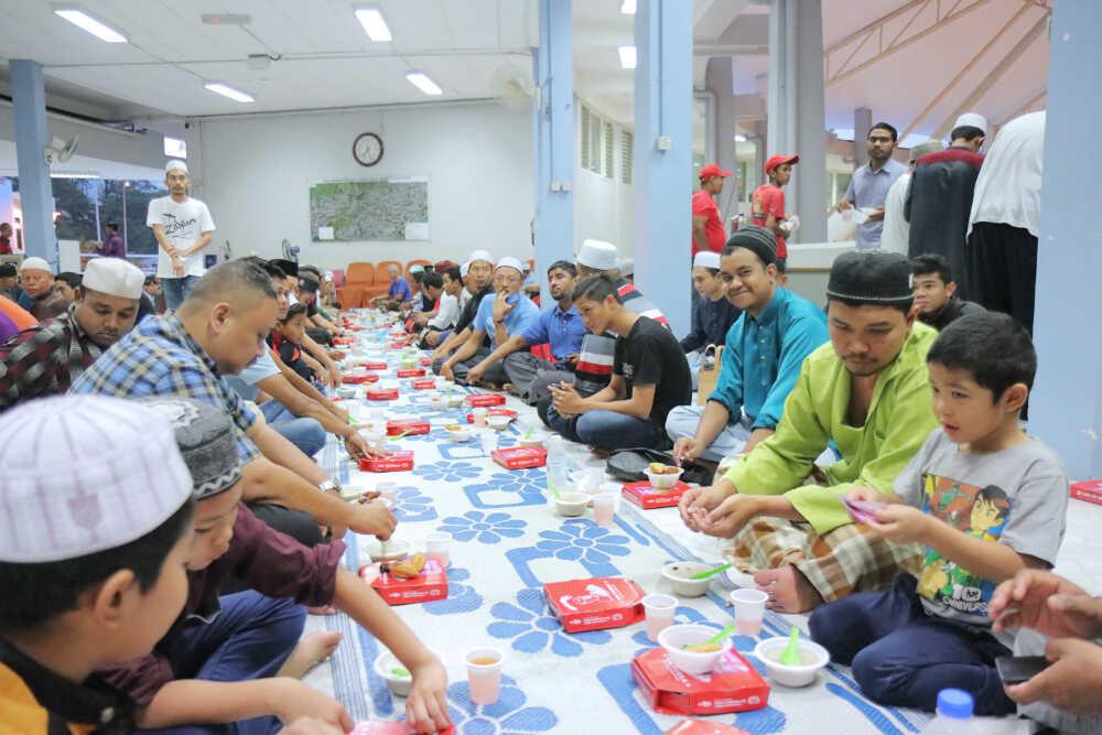 US Pizza Malaysia CSR Masjid Negeri Penang Attendees