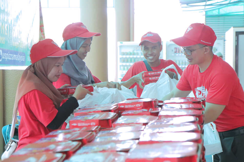 US Pizza Malaysia CSR Team Masjid Bayan Lepas