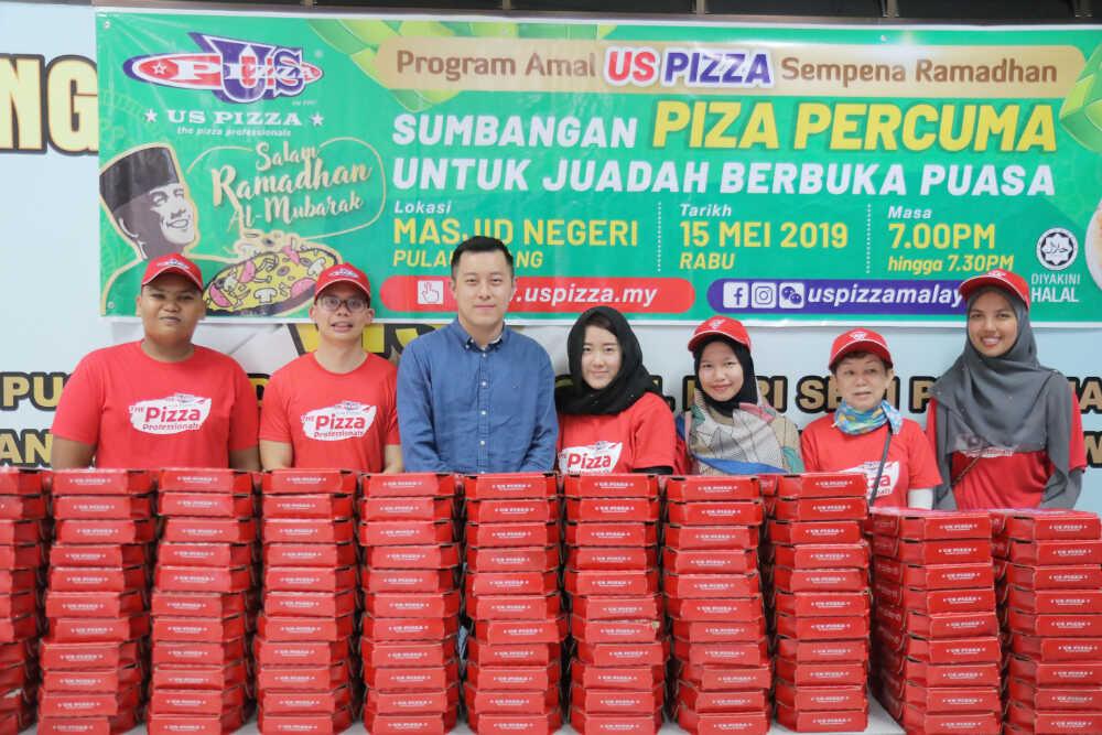 US Pizza Malaysia CSR Team Masjid Negeri Penang