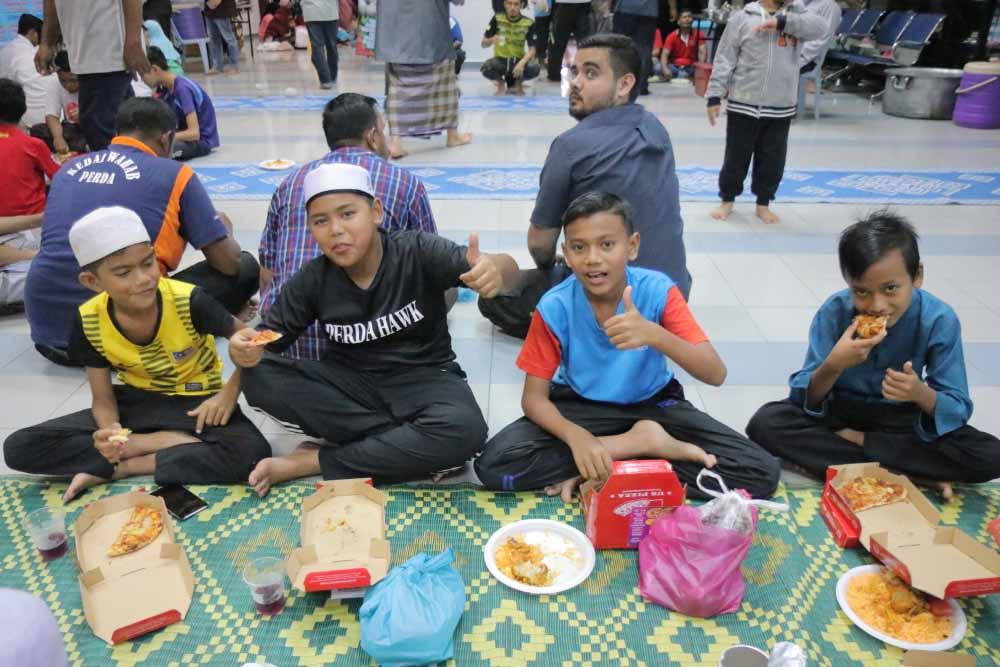 Us Pizza Malaysia CSR Masjid Daerah Seberang Perai Tengah Attendees