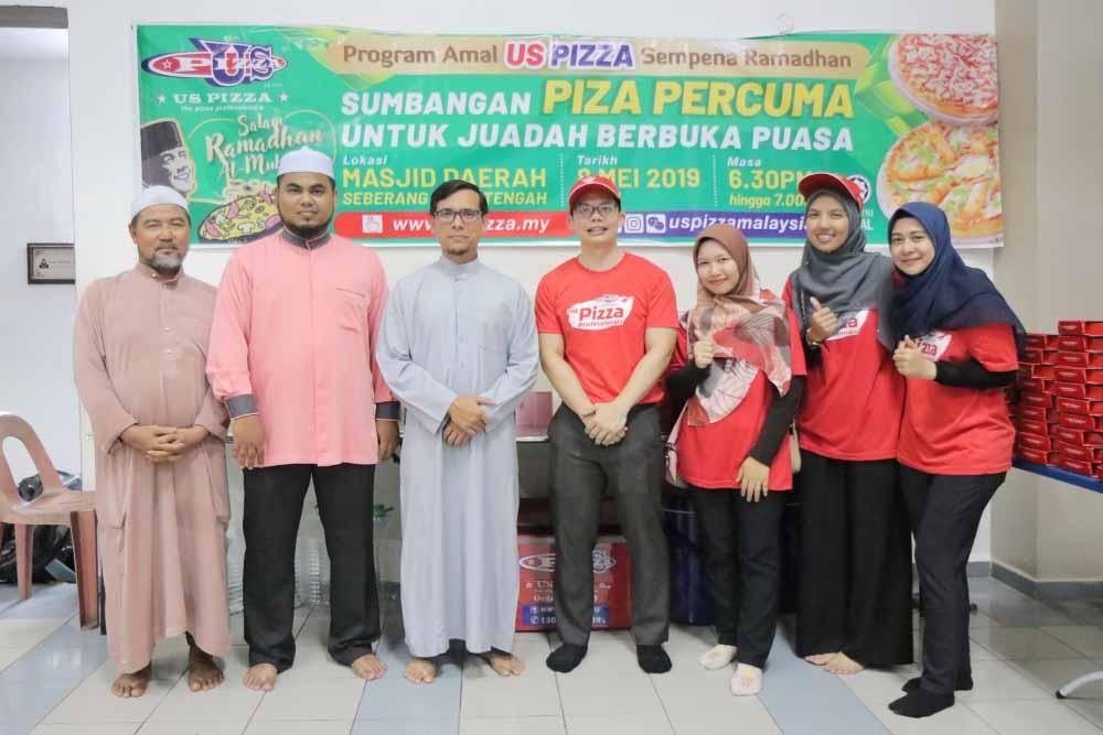 Us Pizza Malaysia CSR Sumbangan Pizza Bulan Ramadan 2019 Masjid Daerah Seberang Perai Tengah